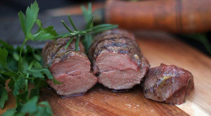 Wildschweinrücken vom Grill