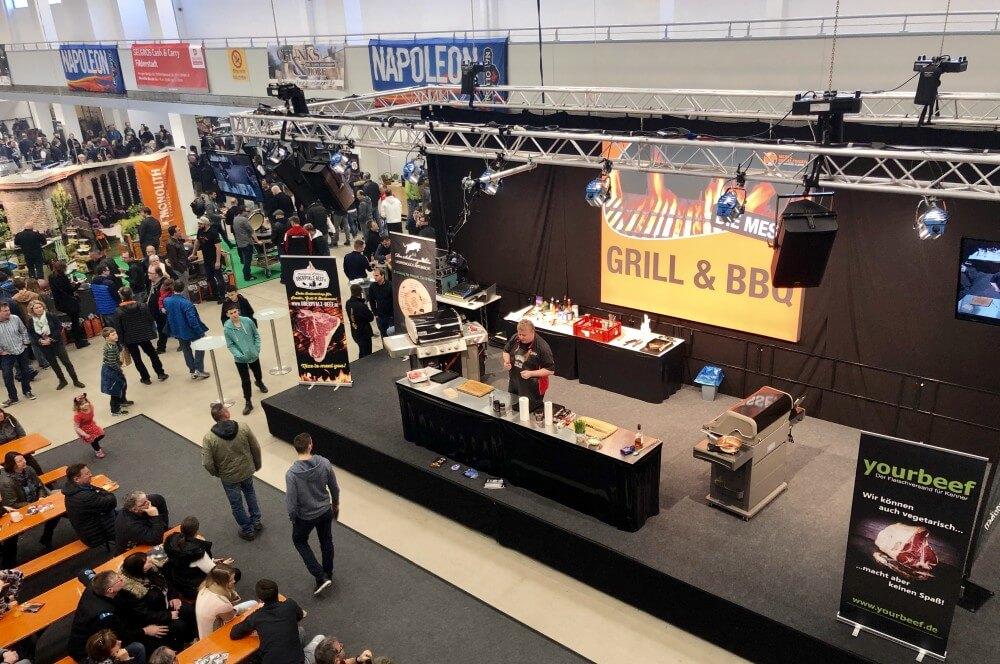 """Showgrillen auf der Bühne mit """"Don Marco"""" grill & bbq messe-Grill BBQ Messe Sindelfingen 2019 01-Grill & BBQ Messe 2019 in Sindelfingen"""