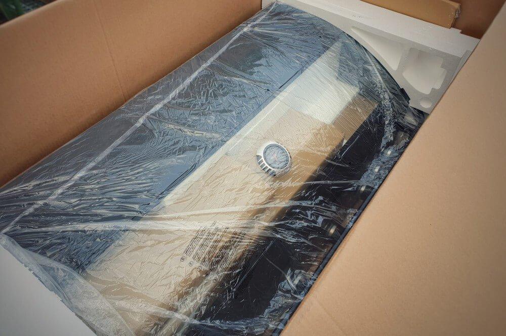 Die Grillkammer ist sicher verpackt tenneker gasgrill halo tg5+-Tenneker Gasgrill HALO TG5 Test 02-Tenneker Gasgrill HALO TG5+ im Test