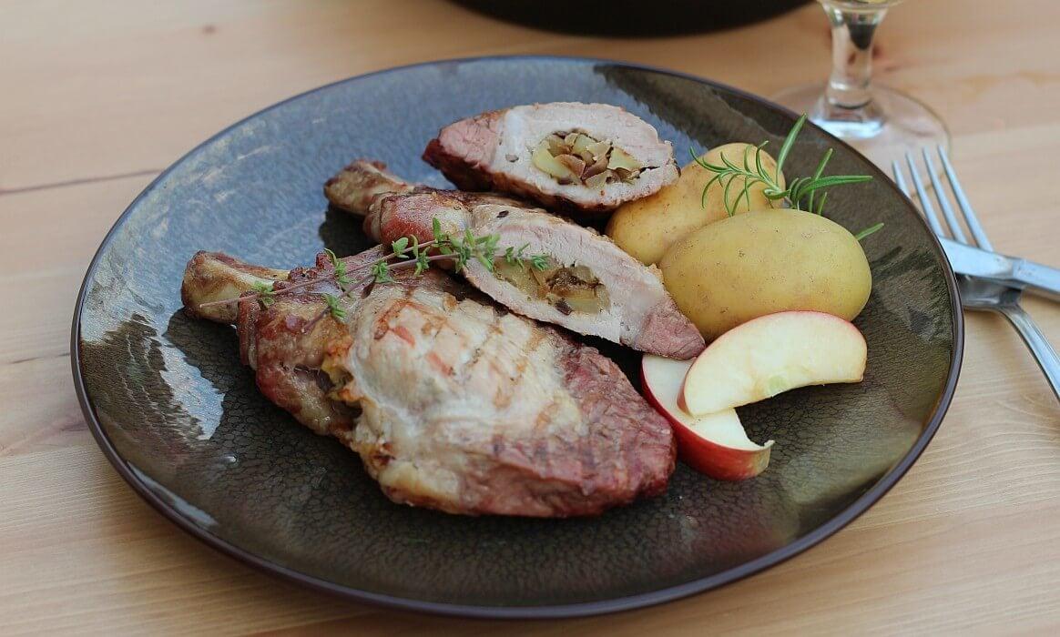 Gefüllte Koteletts schweinekoteletts mit apfel-zwiebel-füllung-Schweinekoteletts Apfel Zwiebel Fuellung-Schweinekoteletts mit Apfel-Zwiebel-Füllung