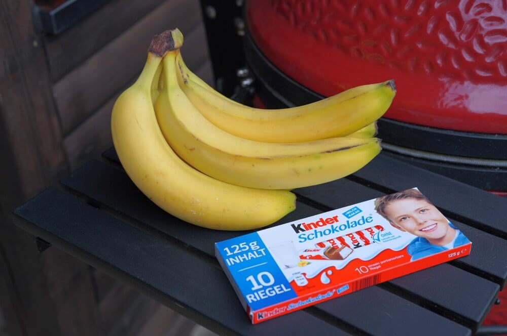 Die Zutaten für gegrillte Banane sind überschaubar...  gegrillte banane-Gegrillte Banane Schokolade 01-Gegrillte Banane – Schokobanane vom Grill gegrillte banane-Gegrillte Banane Schokolade 01-Gegrillte Banane – Schokobanane vom Grill