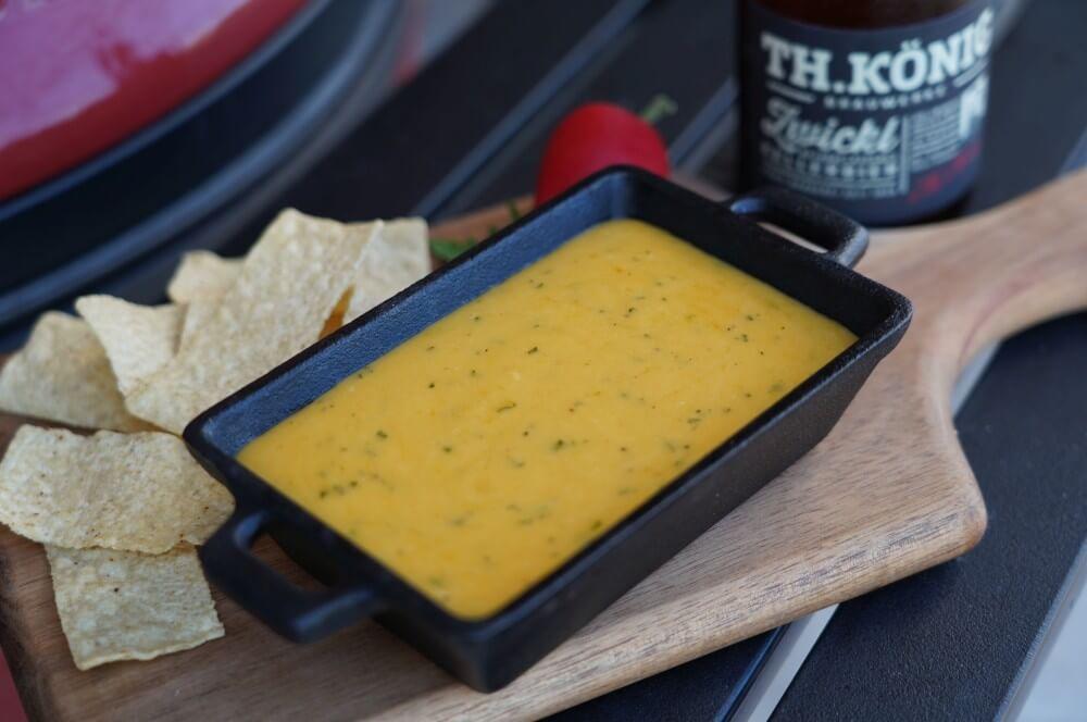 Bier-Käse-Dip mit Cheddar und Kellerbier bier-käse-dip-Bier Kaese Dip Beer Cheese Dip 06-Bier-Käse-Dip – Smoked Beer Cheese Dip