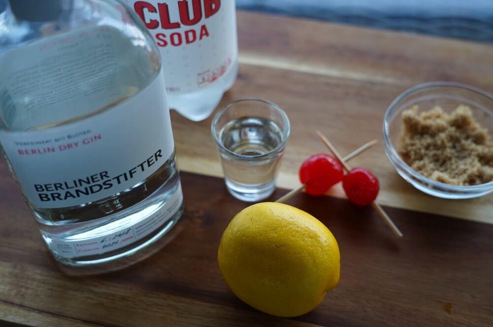 Alle Zutaten für Gin Sour auf einen Blick gin sour-Gin Sour gegrillte Zitrone 01-Gin Sour – Cocktail mit gegrillter Zitrone