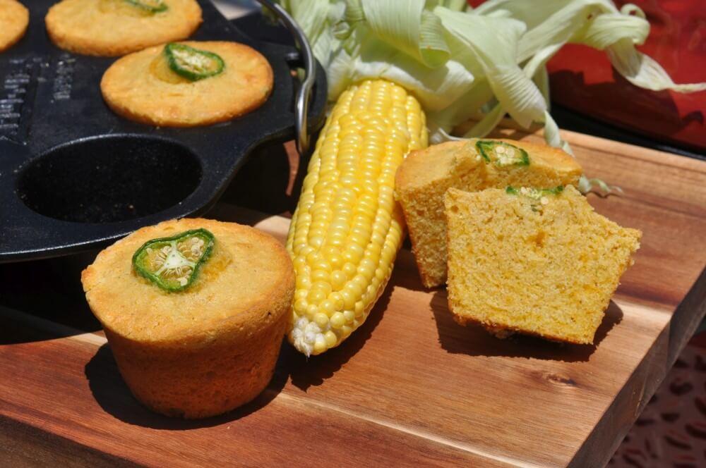 Maisbrot-Muffins mit Cheddar und Jalapenos cornbread-muffins-Cornbread Muffins Maisbrot Cheddar Jalapeno 06-Cornbread-Muffins – Maisbrot-Muffins mit Cheddar und Jalapenos