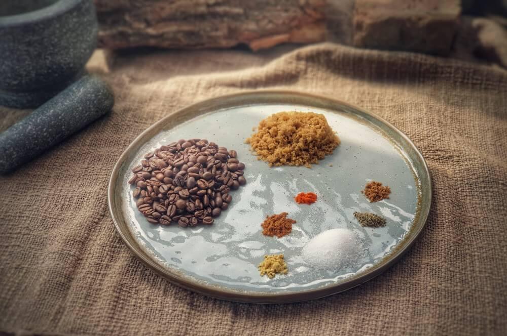 Zutaten für den Kaffee-Rub auf einen Blick kaffee-rub-Kaffee Rub 01-Kaffee-Rub – Kaffee-Gewürzmischung für Rind, Steaks und mehr!