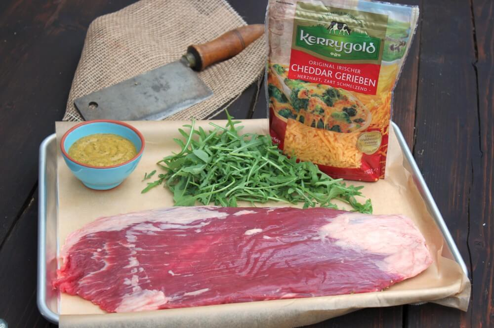 Alle Zutaten für Flank Steak Lollies auf einen Blick flank steak lollies-Flank Steak Lollies Rucola Cheddar 02-Flank Steak Lollies mit Cheddar und Rucola