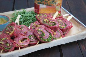 flank steak lollies-Flank Steak Lollies Rucola Cheddar 06 300x199-Flank Steak Lollies mit Cheddar und Rucola