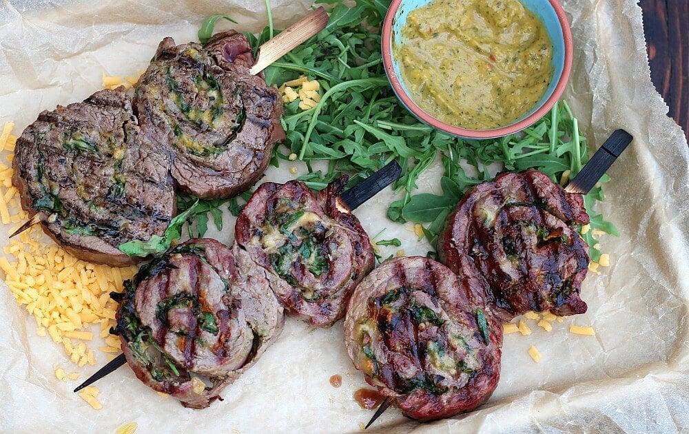 Flank Steak Lollies mit Cheddar und Rucola flank steak lollies-Flank Steak Lollies Rucola Cheddar 08-Flank Steak Lollies mit Cheddar und Rucola