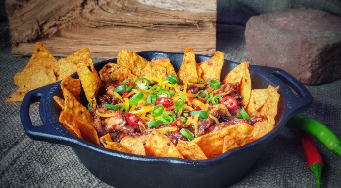 Überbackene Pulled Chicken Tortilla-Chips