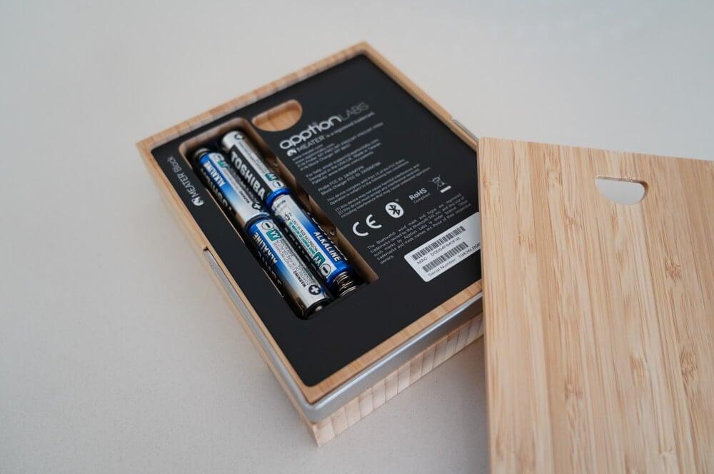 Das Batteriefach im MEATER Block meater block-MEATER Block Test Review 02-MEATER Block im Test – Kabelloses WLAN Grillthermometer mit 4 Fühlern