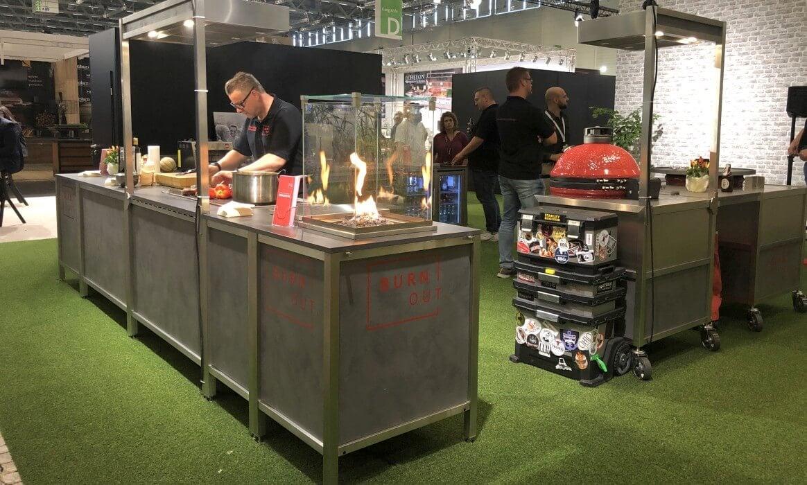 Grilltrends 2020: Burnout Kitchen auf dem Vormarsch grill-neuheiten 2020-Grill Neuheiten 2020 00 Spoga 2019 Burnout Kitchen-Grill-Neuheiten 2020 – Die heißesten Grilltrends der Spoga