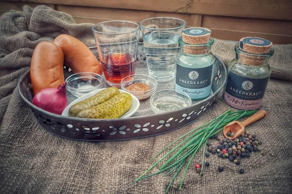 Bayrischer Wurstsalat - Alle Zutaten auf einen Blick bayrischer wurstsalat-Bayrischer Wurstsalat 01-Bayrischer Wurstsalat