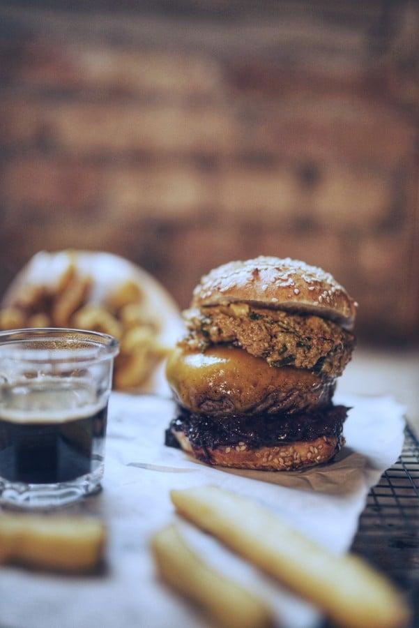 Der Kik Energy Burger von Konrad Straßmeir kerrygold cheddar burger challenge 2019-Kerrygold Cheddar Burger Challenge 2019 Finale Burger02-Kerrygold Cheddar Burger Challenge 2019 – Das Finale