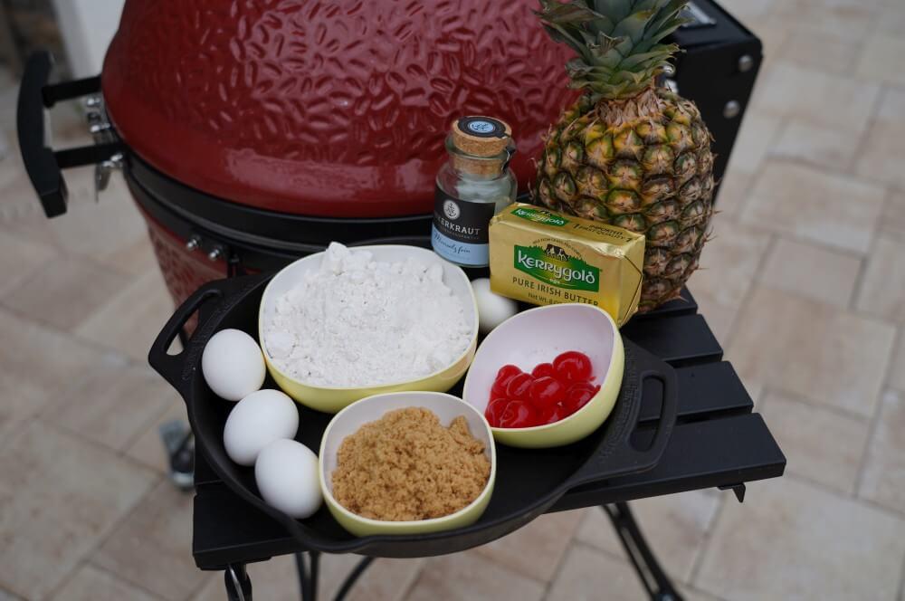 Alle Zutaten für den Pineapple Upside Down Cake auf einen Blick pineapple upside down cake-Pineapple Upside Down Cake Ananaskuchen 01-Pineapple Upside Down Cake – Gestürzter Ananas-Kuchen