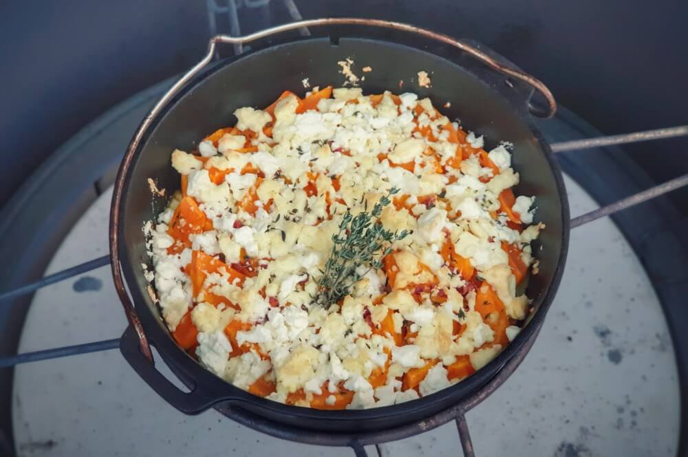 Das fertig Kürbis-Gratin mit Feta und Kartoffeln kürbis-gratin-Kuerbis Gratin Feta Kartoffeln 05-Kürbis-Gratin mit Feta und Kartoffeln