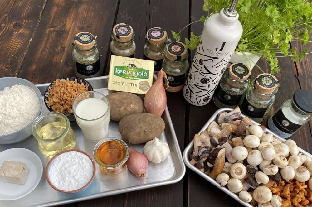 Alle Zutaten für Kartoffelbuchteln auf Pilzragout auf einen Blick kartoffelbuchteln auf pilzragout-Kartoffelbuchteln Pilzragout 01-Kartoffelbuchteln auf Pilzragout kartoffelbuchteln auf pilzragout-Kartoffelbuchteln Pilzragout 01-Kartoffelbuchteln auf Pilzragout