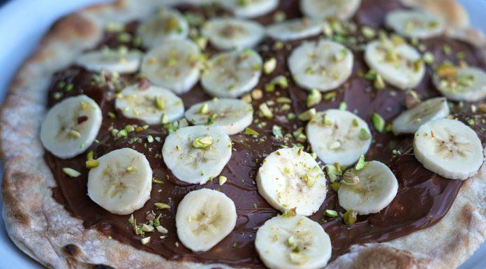 Nutella-Pizza mit Bananen