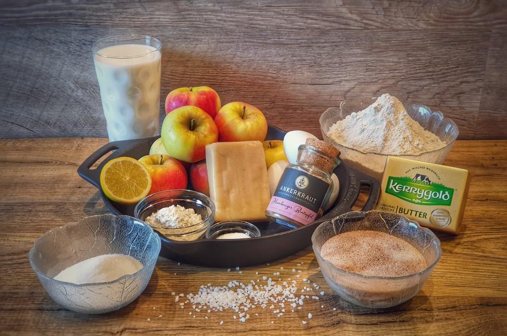 Alle Zutaten für den Apfelkuchen mit Marzipanguss im Überblick apfelkuchen mit marzipanguss-Apfelkuchen mit Marzipanguss 01-Apfelkuchen mit Marzipanguss