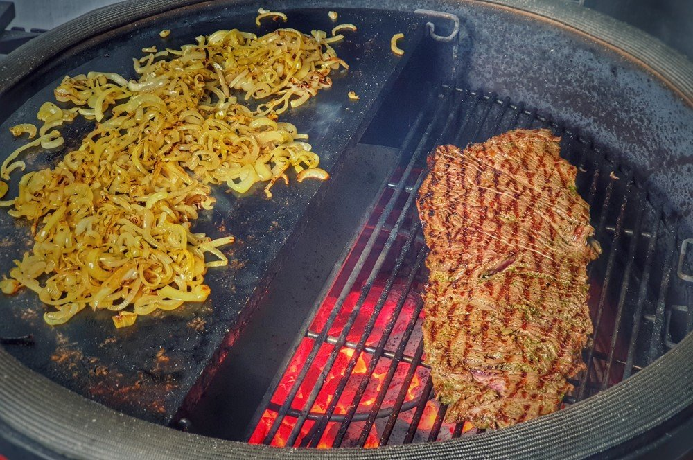 Das Bavette wird direkt gegrillt kubanisches steak-sandwich-Kubanisches Steak Sandwich Cuban 05-Kubanisches Steak-Sandwich – Cuban Steak Sandwich kubanisches steak-sandwich-Kubanisches Steak Sandwich Cuban 05-Kubanisches Steak-Sandwich – Cuban Steak Sandwich