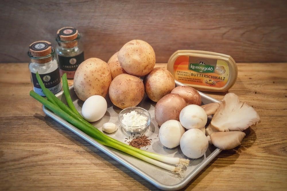 Alle Zutaten für Schweizer Rösti mit Pilzen auf einen Blick schweizer rösti-Schweizer Roesti mit Pilzen 01-Schweizer Rösti mit Pilzen