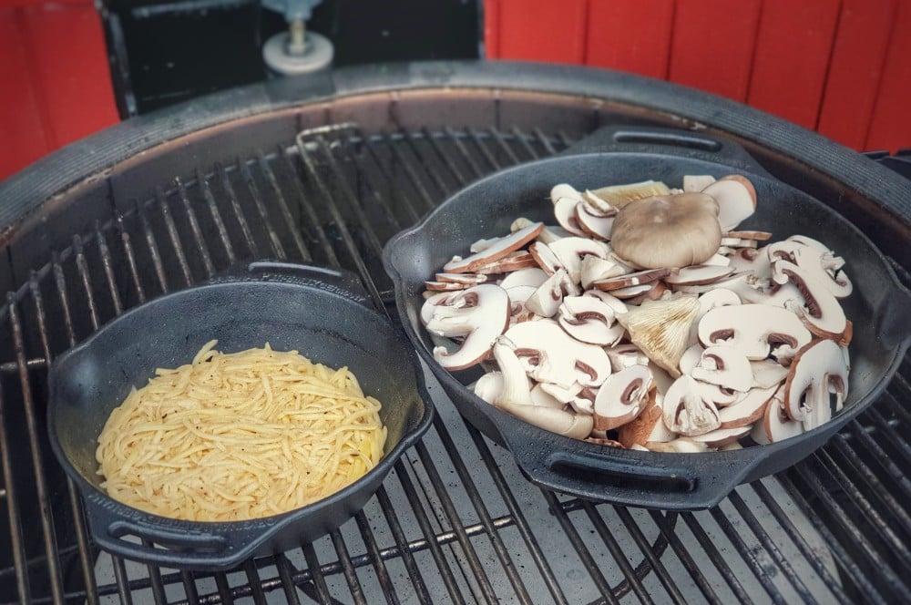 Die Pilze werden angebraten schweizer rösti-Schweizer Roesti mit Pilzen 03-Schweizer Rösti mit Pilzen