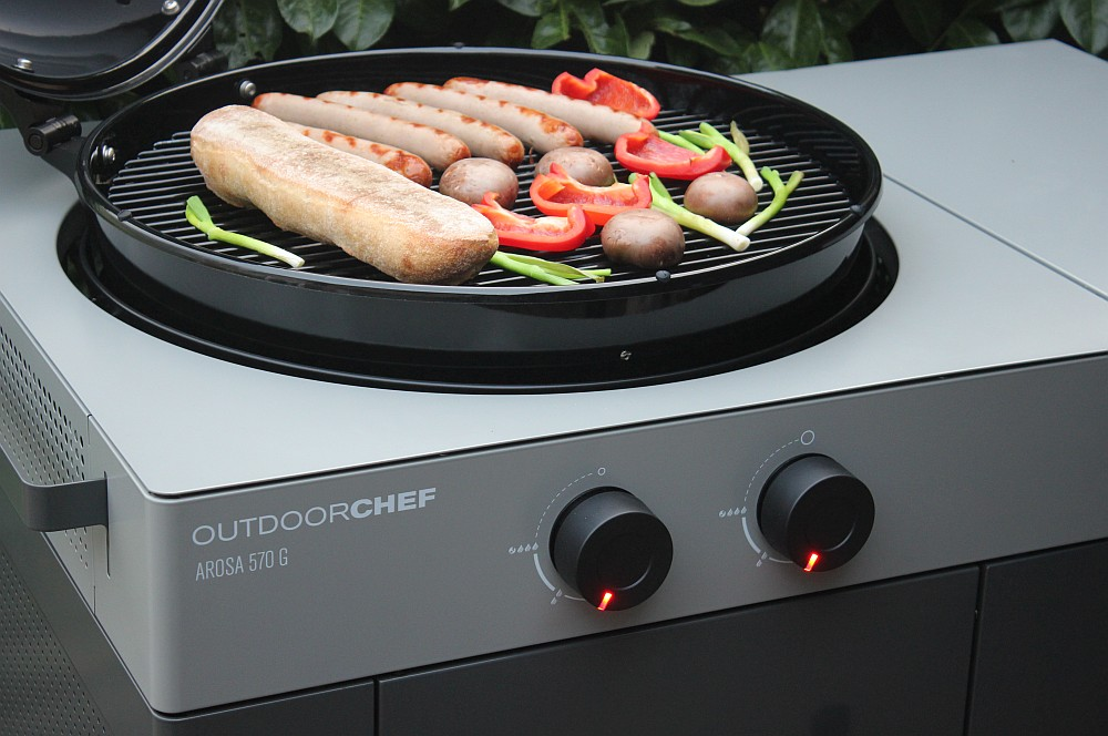 Der Outdoorchef Arosa 570 G Steel im Einsatz outdoorchef arosa 570 g grey steel-Outdoorchef Arosa 570 G Steel 13-Outdoorchef Arosa 570 G Grey Steel – Perfektion des Gas-Kugelgrills
