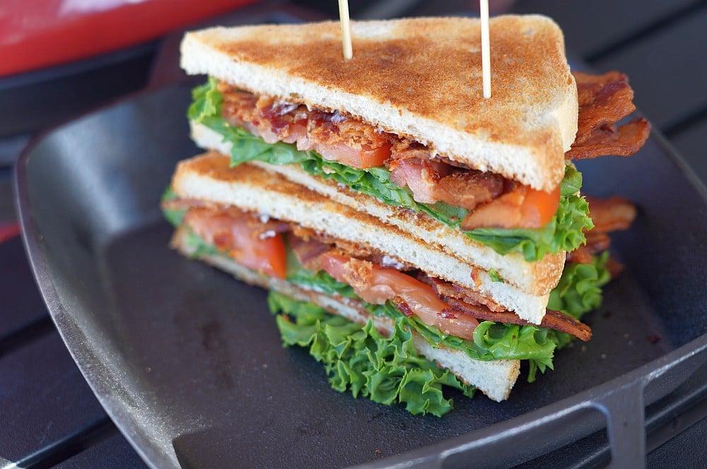 BLT-Sandwich mit Bacon, Salat und Tomate blt-sandwich-BLT Sandwich Bacon Lettuce Tomato 04-BLT-Sandwich (Bacon, Lettuce, Tomato)