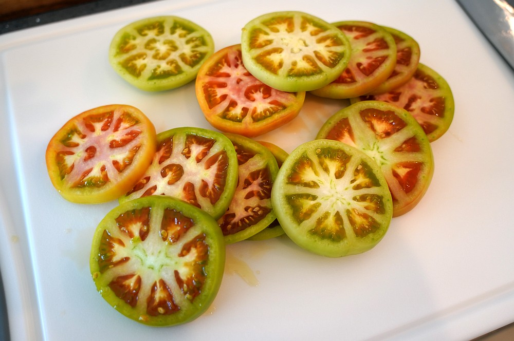 Grüne Tomaten un Scheiben geschnitten frittierte grüne tomaten-Frittierte Gruene Tomaten Fried Green Tomatoes 02-Frittierte grüne Tomaten – fried green tomatoes