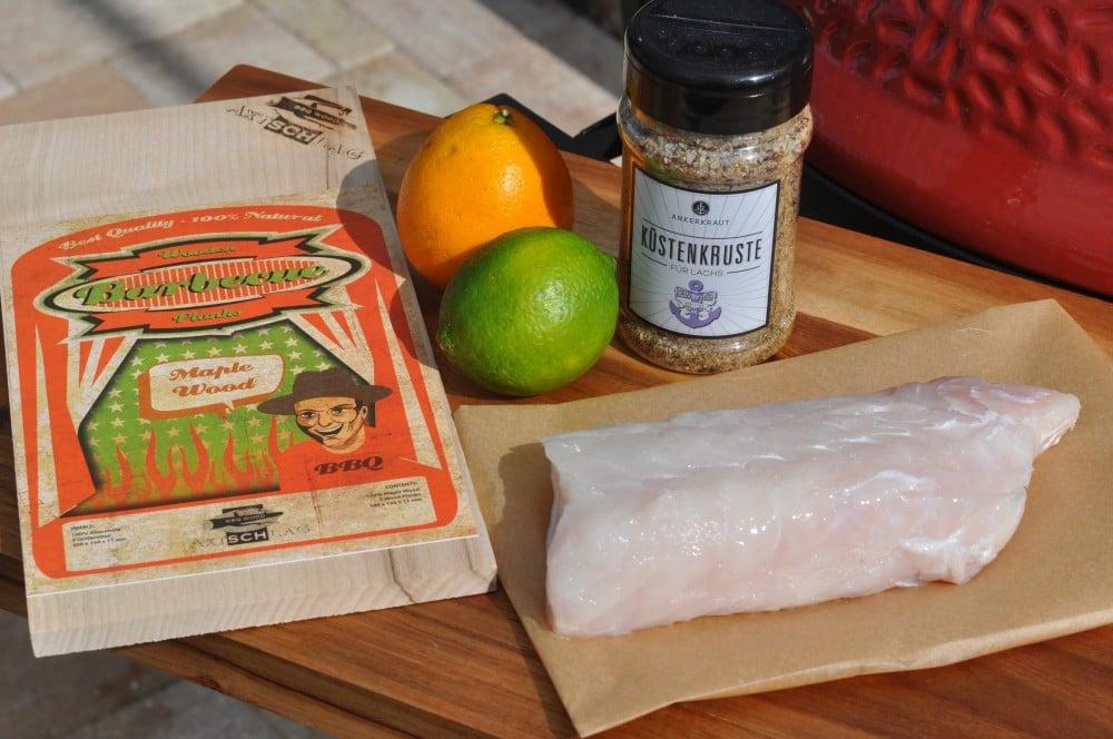 Alle Zutaten für geplankten Kabeljau auf einen Blick geplankter kabeljau-Geplankter Kabeljau auf Orangen 01-Geplankter Kabeljau auf Orangen