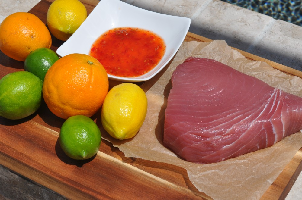 Alle Zutaten für Tuna Tataki auf einen Blick tuna tataki-Tuna Tataki Thunfisch Zitrusabrieb 01-Tuna Tataki – Thunfisch mit Zitrusfruchtabrieb