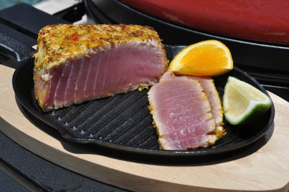 Tuna Tataki mit Sweet Chili Sauce tuna tataki-Tuna Tataki Thunfisch Zitrusabrieb 06-Tuna Tataki – Thunfisch mit Zitrusfruchtabrieb
