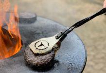Burgerzange [object object]-Moesta BBQ VTong Burgerzange 218x150-BBQPit.de das Grill- und BBQ-Magazin – Grillblog & Grillrezepte –