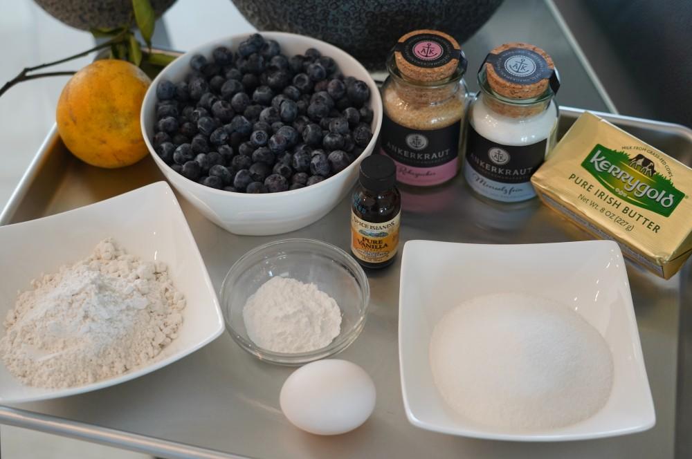 Alle Zutaten für den Blueberry Cobbler auf einen Blick blueberry cobbler-Blueberry Cobbler Blaubeer Dessert 01-Blueberry Cobbler – Warmes Blaubeer-Dessert vom Grill