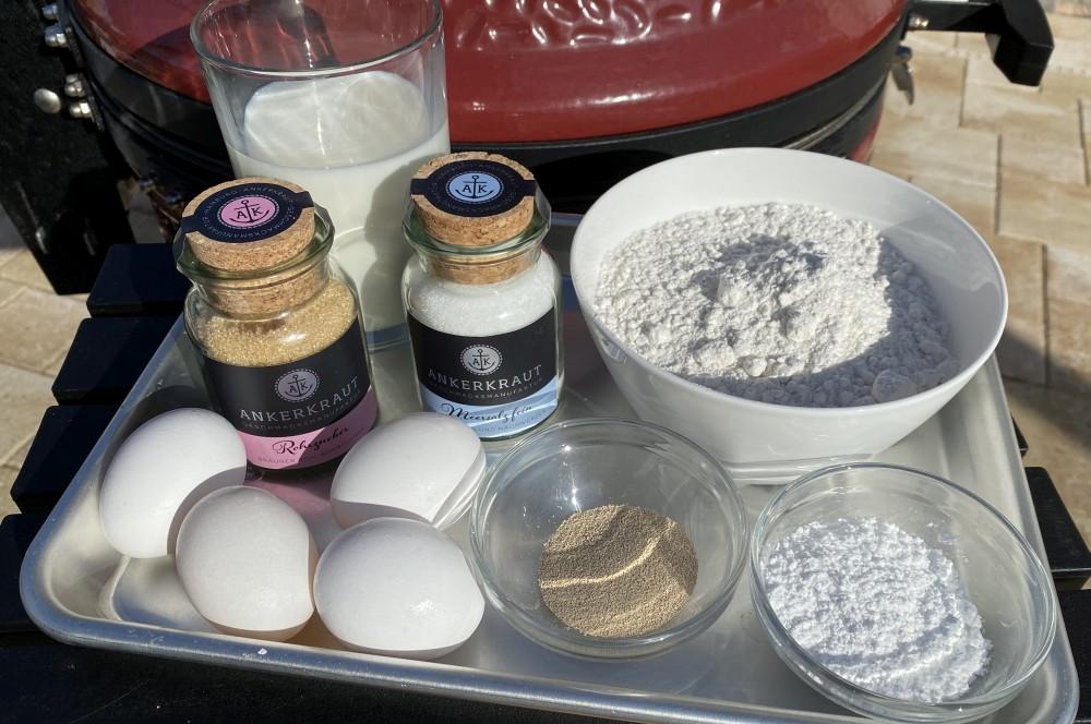 Alle Zutaten für Poffertjes auf einen Blick poffertjes-Poffertjes hollaendische Pfannkuchen 01-Poffertjes – Rezept für die holländischen Mini-Pfannkuchen