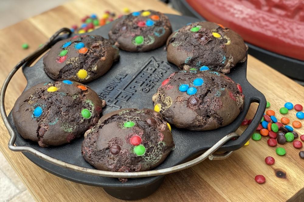 Schokoladen-Muffins mit Schokolinsen schoko-muffins-Schoko Muffins Schokolinsen 06-Schoko-Muffins mit Schokolinsen