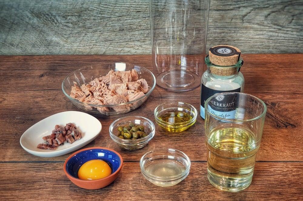 Die Zutaten für die Thunfischsauce vitello tonnato-Vitello Tonnato 04-Vitello Tonnato – Rezept für den italienischen Vorspeisen-Klassiker