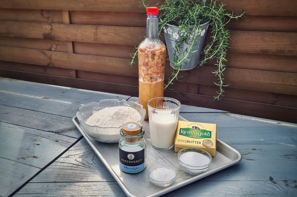 Alle Zutaten für den Hefezopf auf einen Blick hefezopf-Hefezopf Ostern 01-Hefezopf – Dieses Rezept schmeckt nicht nur zu Ostern