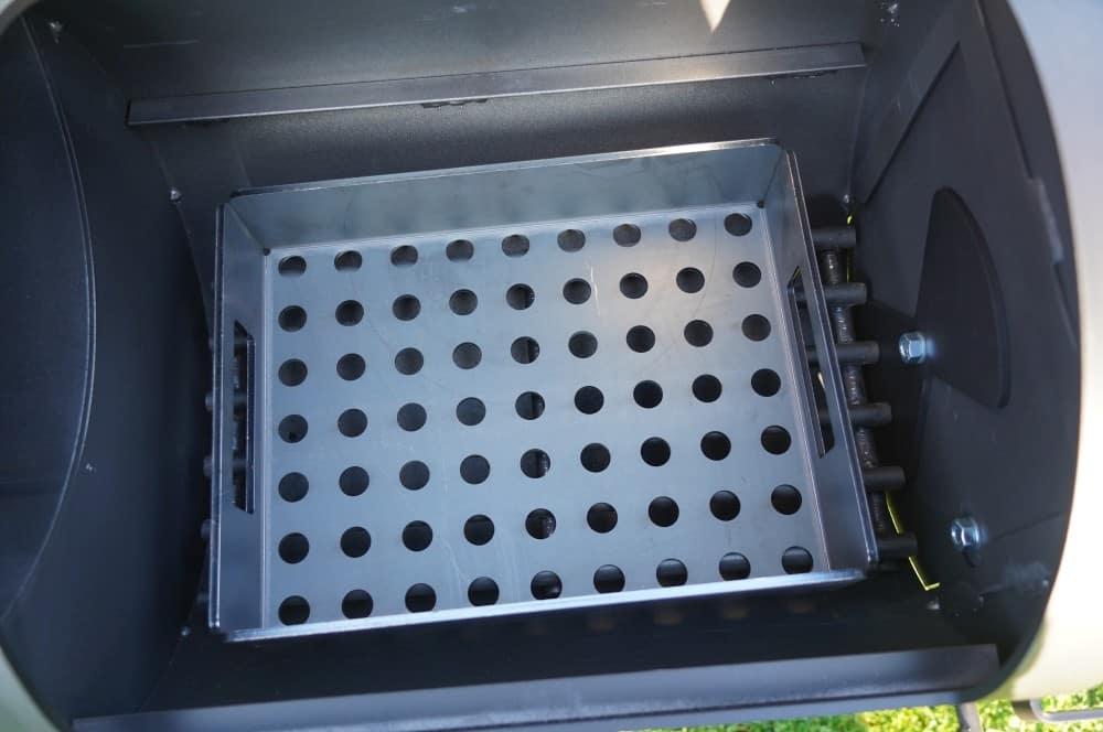 Holzkohle-Einsatz für die Feuerbox joe's barbeque smoker-Joes BBQ Smoker 16 Reverse Flow 10-Joe's Barbeque Smoker 16″ Reverse Flow im Test