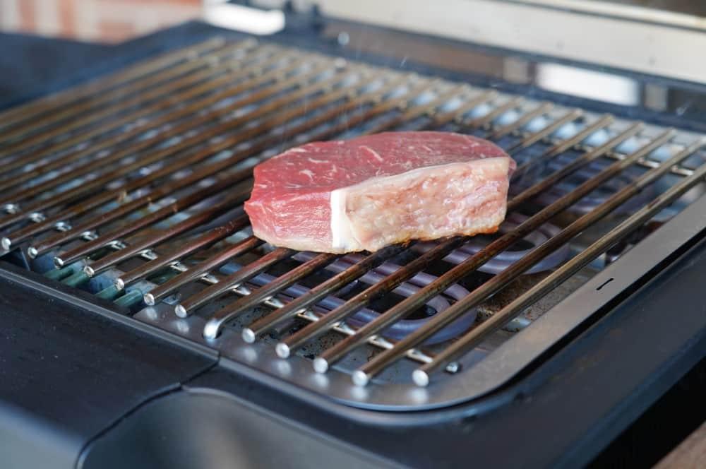 Das Steak wird bei 500°C gegrillt new york steak-New York Steak Wolfgang Style 02-New York Steak Wolfgang Style