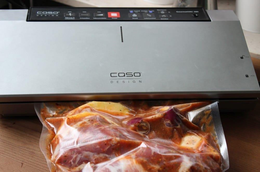 Das Fleisch wird zum Marinieren einvakuumiert tacos al pastor-Tacos al Pastor 03-Tacos al Pastor
