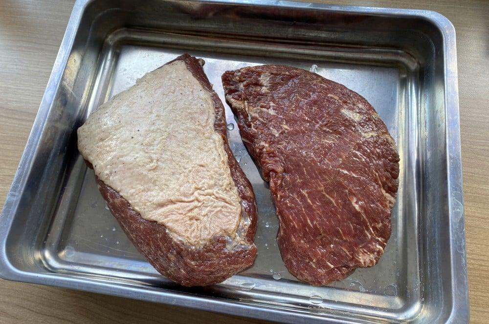 Am Ende der Pökelzeit wird das Fleisch abgespült und gewässert tafelspitz-pastrami-Tafelspitz Pastrami 06-Tafelspitz-Pastrami