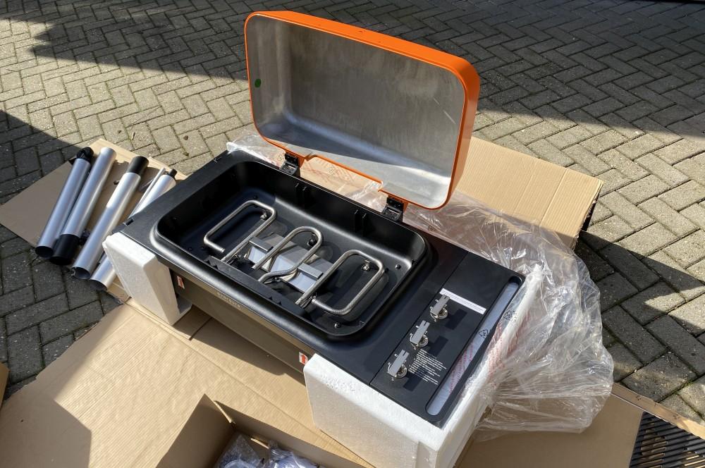 Die Garkammer ist aus nahtlosem Aluminium-Druckguss everdure furnace gasgrill-Everdure Furnace Gasgrill Test 03-Everdure Furnace Gasgrill im Test