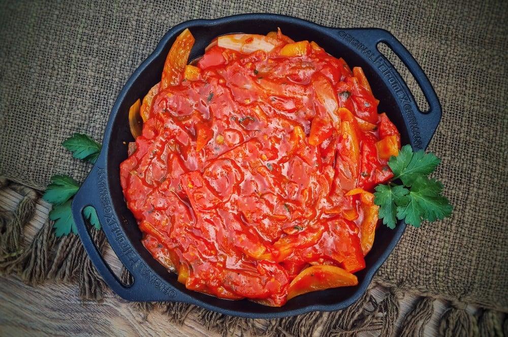 Zigeunersauce mit Paprika und Zwiebeln zigeunersauce-Zigeunersauce Rezept 04-Zigeunersauce – Rezept für die beliebte Paprikasauce