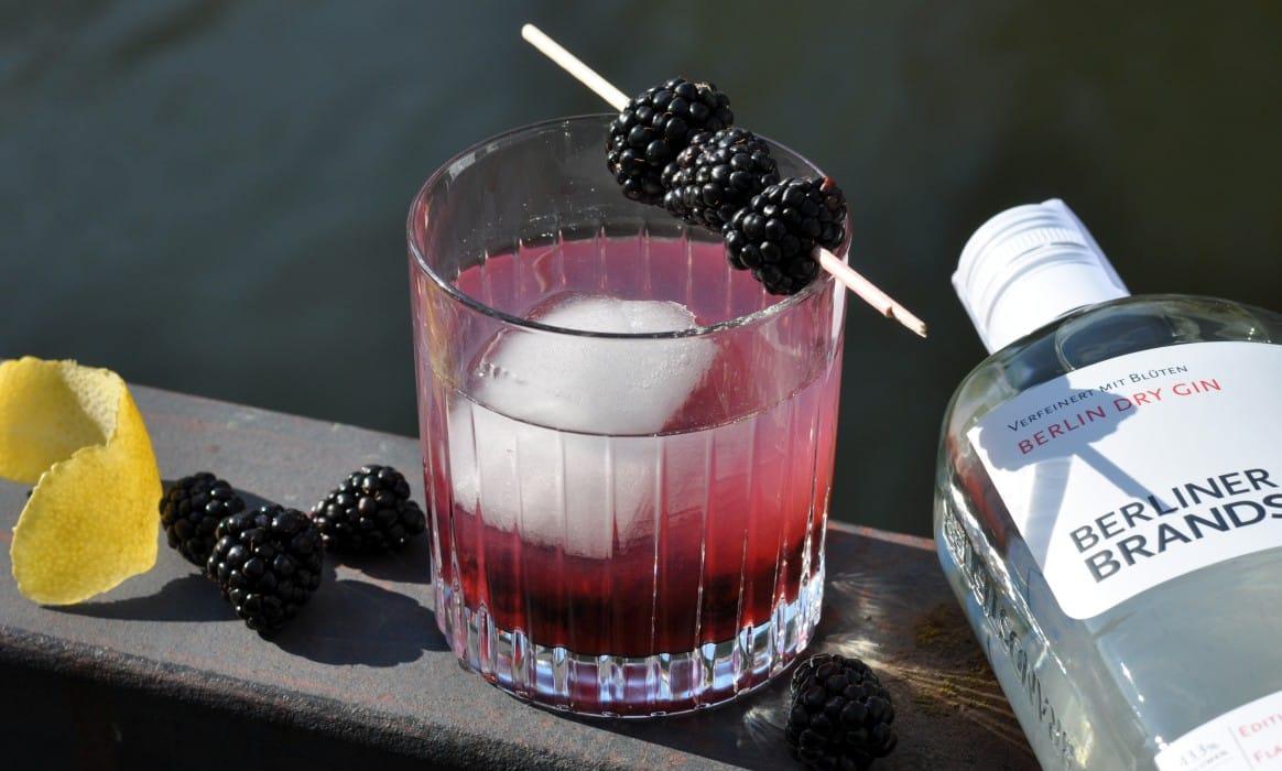 Bramble bramble-Bramble-Bramble – Fruchtiger Cocktail mit Brombeeren bramble-Bramble-Bramble – Fruchtiger Cocktail mit Brombeeren
