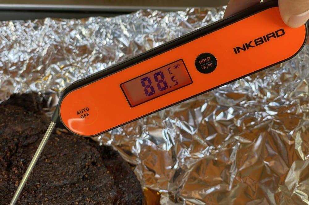 Kerntemperaturmessung beim Beef Brisket mit dem IHT-1P inkbird iht-1p-Inkbird IHT 1P Einstichthermometer 03-Inkbird IHT-1P Einstichthermometer im Test