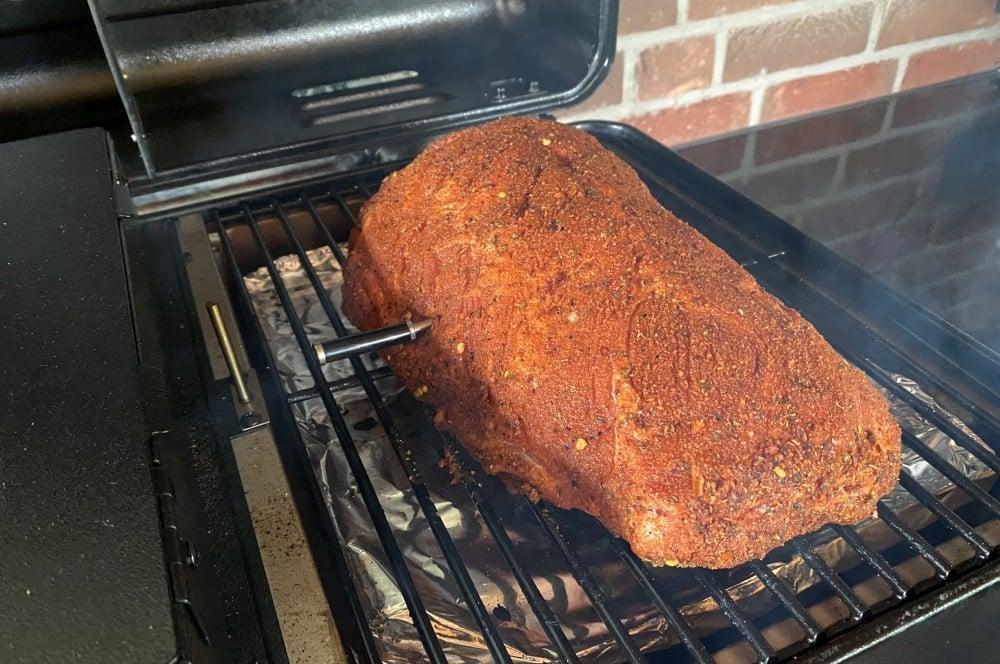 Der MeatStick überwacht das Pulled Pork meatstick-MeatStick Fleischthermometer Test 04-MeatStick Fleischthermometer im BBQPit-Test