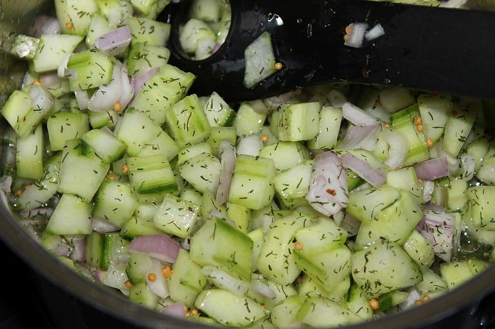 Das Gurken-Relish wird aufgekocht gurken-relish-Gurken Relish 03-Gurken-Relish selber machen