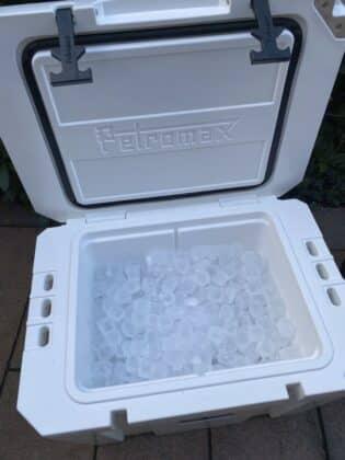 kühlbox-test-Kuehlbox Test Petromax Yeti Coleman 07 315x420-Kühlbox-Test – Petromax kx50, Coleman & YETI im Vergleich