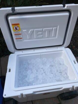 kühlbox-test-Kuehlbox Test Petromax Yeti Coleman 09 315x420-Kühlbox-Test – Petromax kx50, Coleman & YETI im Vergleich
