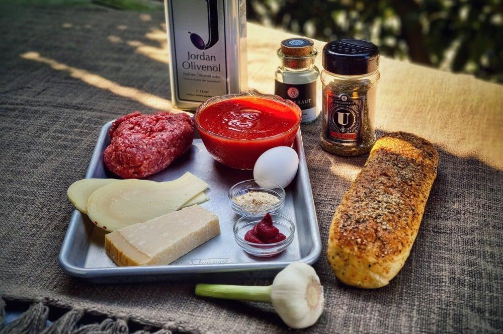 Alle Zutaten für das Italian Meatball Sandwich auf einen Blick italian meatball sandwich-Italian Meatball Sandwich 01-Italian Meatball Sandwich